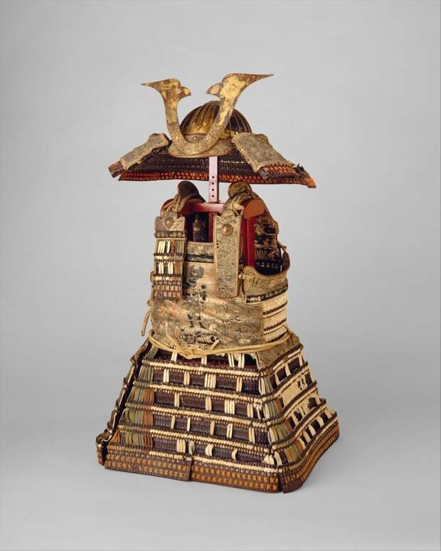 Доспехи японского сёгуна Асикаги Такаюдзи, начало XIV в.