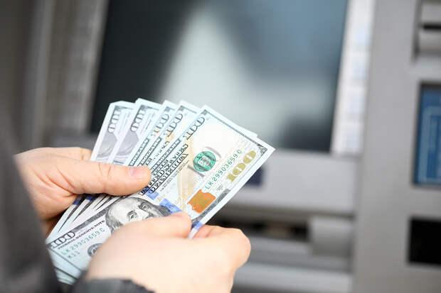 Школьник хаотично нажимал на кнопки и получил из банкомата 40 тыс. рублей