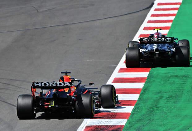 Хельмут Марко рассказал, в чём Red Bull Racing проигрывает Mercedes