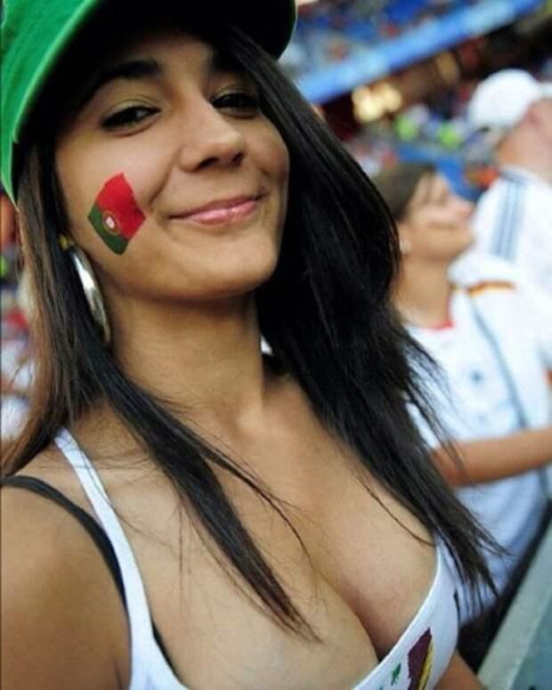 Девушки на Чемпионате мира по футболу в России (31 фото)