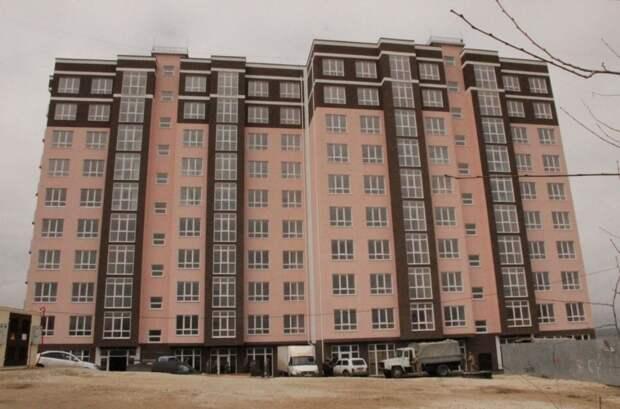 Пострадавшие от взрыва газа жители дома в Керчи переезжают в новые квартиры