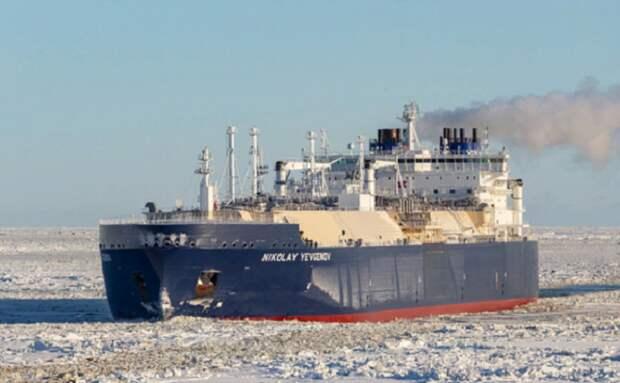 Просторы Арктики бороздят российские газовозы. Американцам это жутко не нравится (фото из открытых источников)