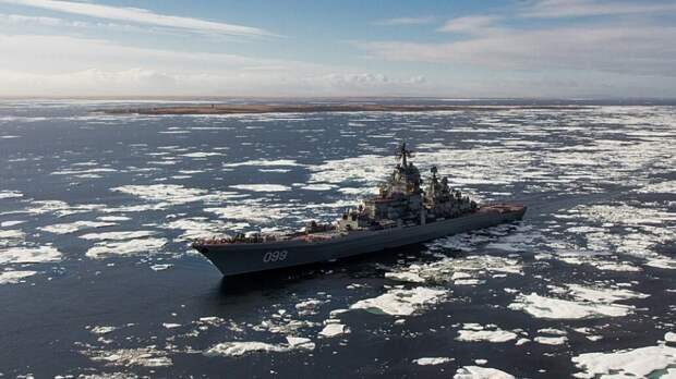 Северный флот РФ продолжает учения боевой авиации в Арктике