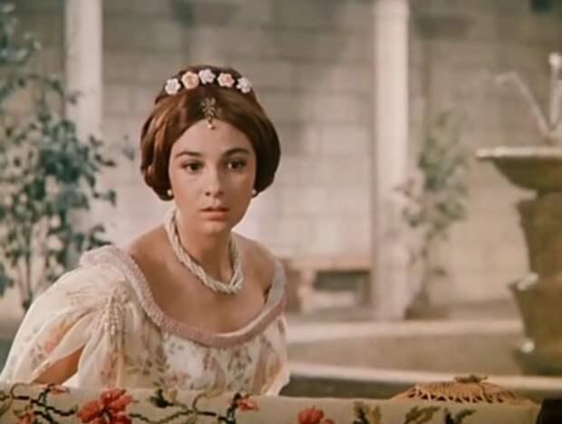 """Кадр из фильма """"Благочестивая Марта"""" (1980)"""
