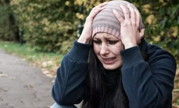 Бездомный пожалел пострадавшую девушку и отдал ей последние деньги, не рассчитывая на благодарности. Но потом он обомлел