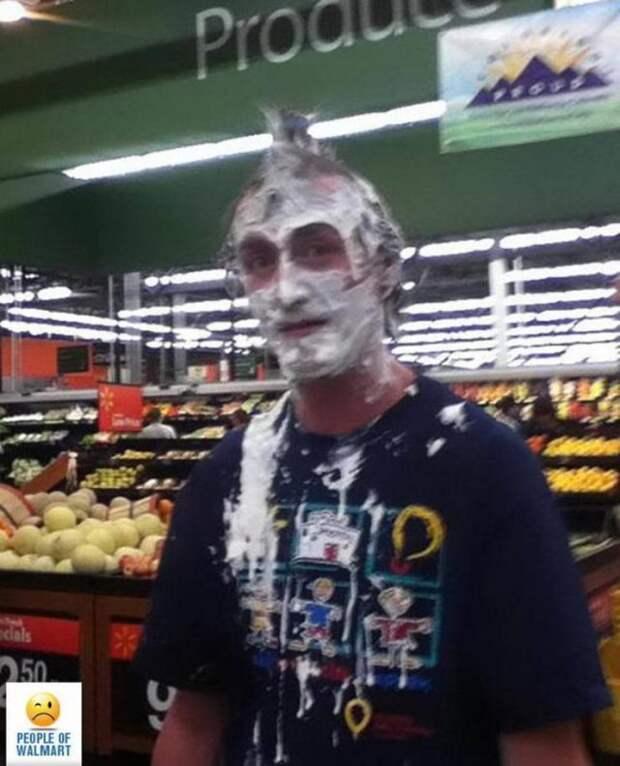 Чудаки и чудачества в Walmart (27 фото)