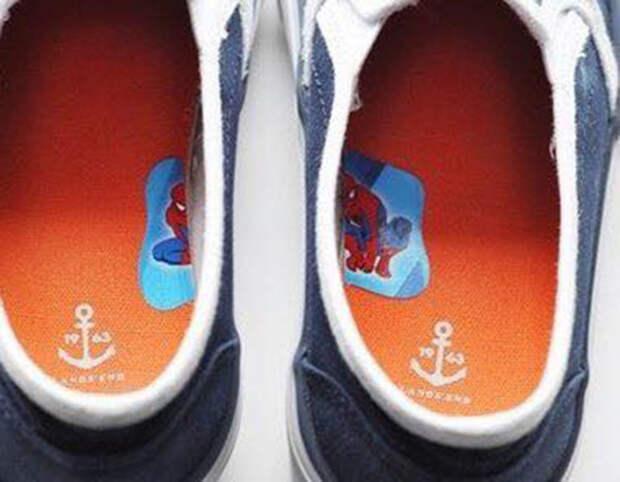 12. Научить ребенка одевать на правильную ногу, оказывается, не самым трудным занятием дети, крутые родители, фото, юмор