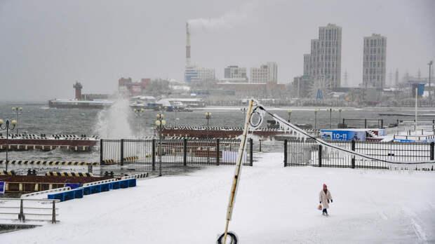 В пригороде Владивостока восстановили свет после циклона