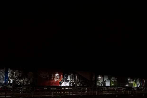 Поезд Победы 2020: Как уникальный музей на колёсах проехал по Крымскому мосту