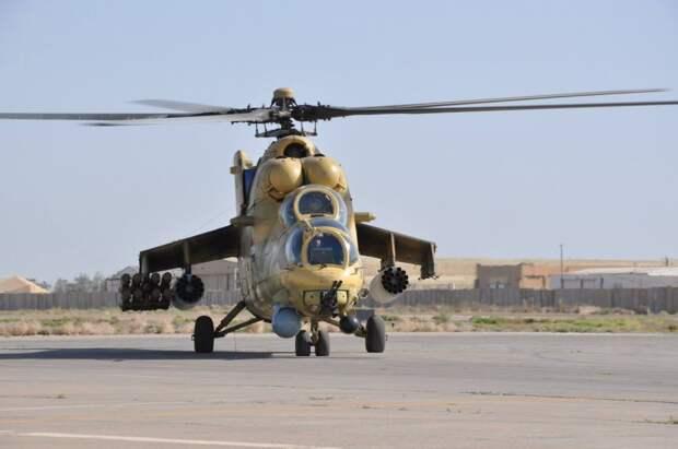 Российский вертолет Ми-35 чуть не протаранил военный грузовик в Ираке