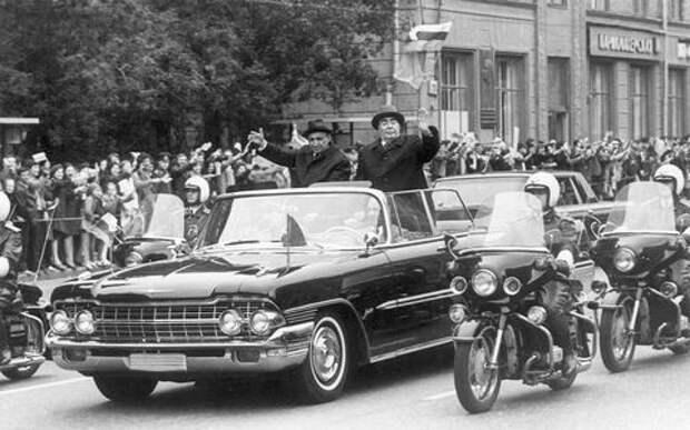 На чем ездили советские генсеки: от Ильича до Сергеича