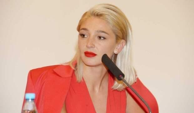«Типичная баба после расставания»: Ивлеева шокировала интимным фото