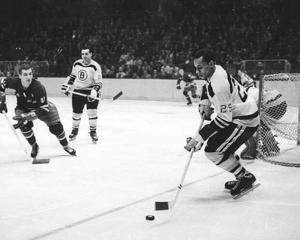 НХЛ объявила претендентов на приз имени Вилли О'ри в 2021 году