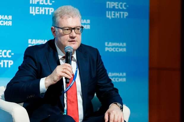 Авторитет «Единой России» серьезно подорван непопулярными мерами, но мнение народа их мало интересует