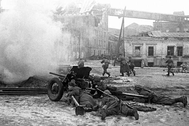 Подвиг Кольчака: как артиллерист уничтожил четыре танка за час