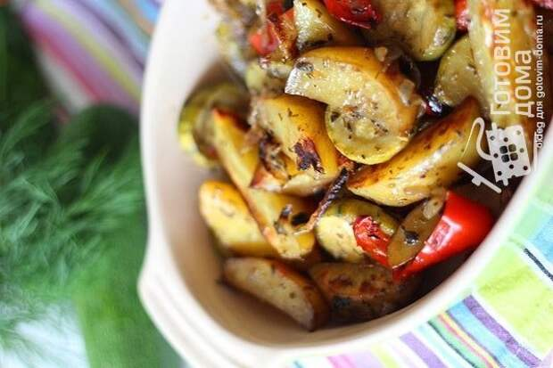 Картофель маринованный и запеченный в духовке с овощами фото к рецепту 2