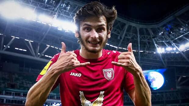 Кварацхелия стал самым подорожавшим футболистом РПЛ, Захарян и Соболев вошли в топ-3