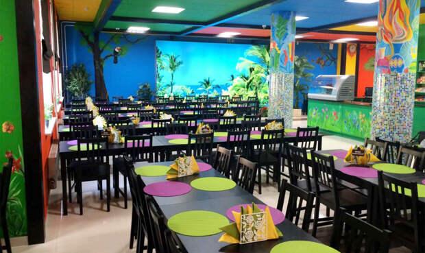 В школе на Псковской столовую превратили в «ресторан»