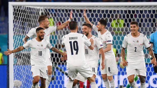 Впервые в истории Евро матч открытия завершился разгромной победой одной из команд