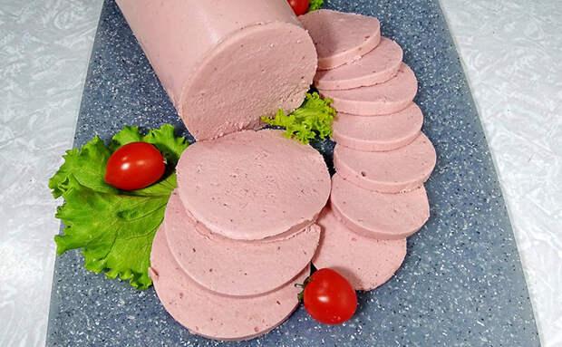 Домашняя колбаса нежнее паштета: кладем все ингредиенты в бутылку и ждем готовности
