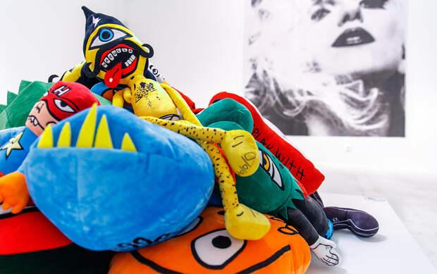 «Русская смерть», граффити-джем и фольклор от «Мастерской Брусникина»: лучшие события «Ночи музеев — 2021»