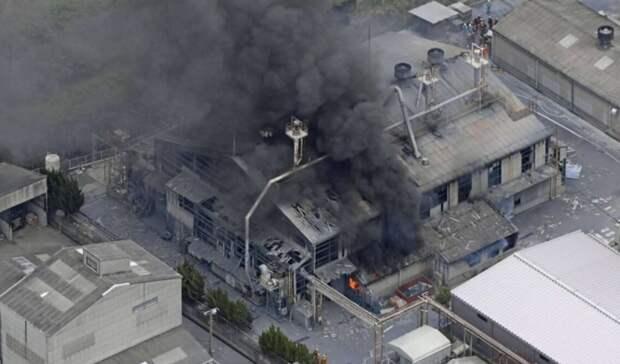 При взрыве нахимзаводе вЯпонии пострадали четверо сотрудников