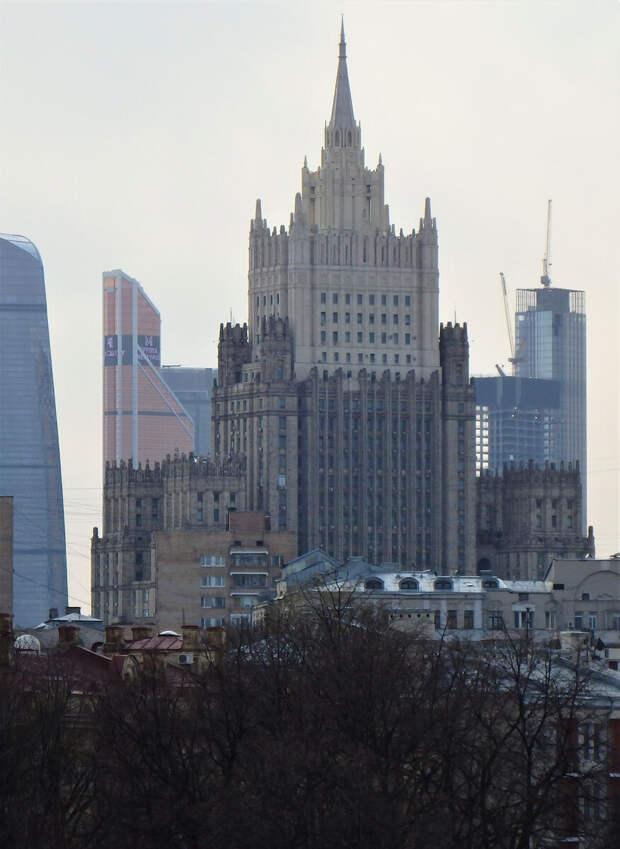 Что должна сделать Россия чтобы наладить отношения с Литвой