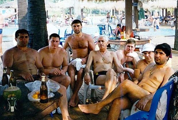 Захарий Калашов (Шакро Молодой) — крайний справа. 1995 год, Испания