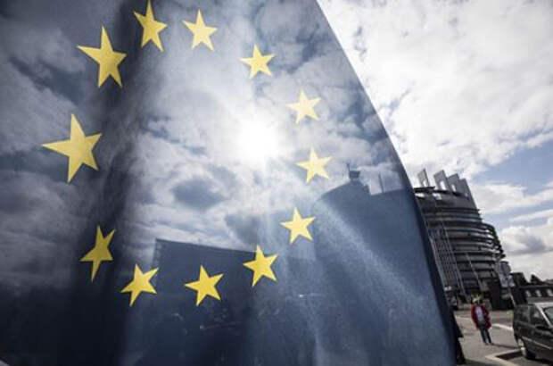 Евродепутаты призвали расширить возможности санкционного давления на Россию