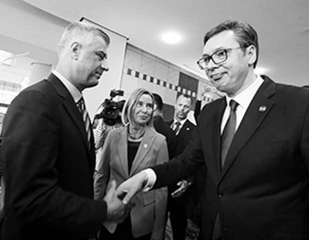 По этому фото хорошо видно, как президенты Сербии и Косова относятся друг к другу