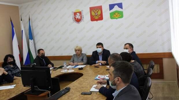 Руководители Белогорского района Сергей Махонин и Галина Перелович провели ряд рабочих совещаний