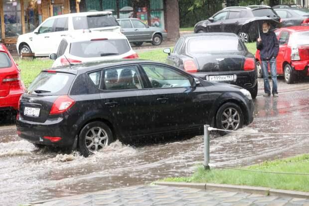 Рекордные дожди обрушились на Москву