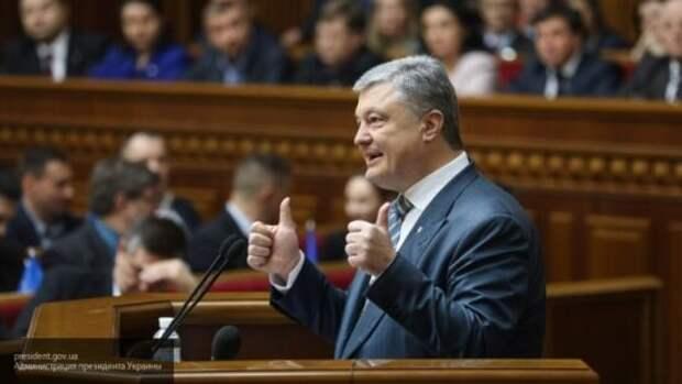 Жданов: взрывы на военных складах Украины происходили с согласия Порошенко