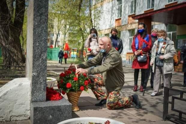 Лидер общественного движения Тимофей Баженов почтил память павших героев