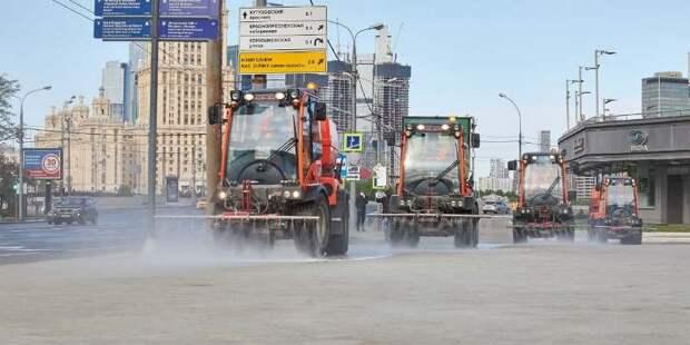 Генеральную уборку города ведут тысячи работников столичного ЖКХ