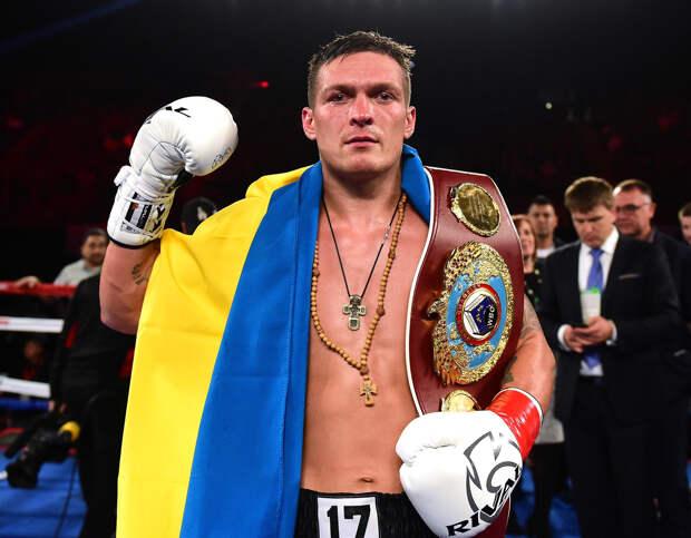 Усик обозвал больными критиков украинских спортсменов за фото с россиянами