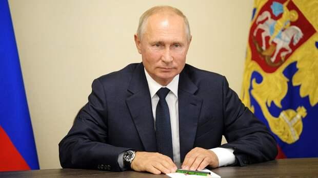 Путин поздравил Синицину и Кацалапова с победой на ЧМ-2021