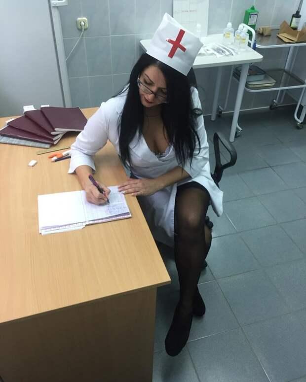 А это настоящая медсестра! в больнице, красавицы, красотки, медицина, медсестра, медсёстры, первая помощь