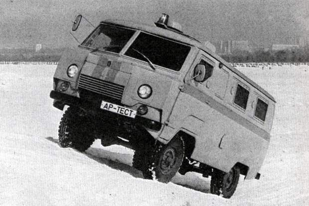 Что интересно, спустя несколько лет к идее бронированных УАЗов вернулись снова. - так появился инкассаторский Коналю 330-20 в 1995 году./Фото: autoreview.ru