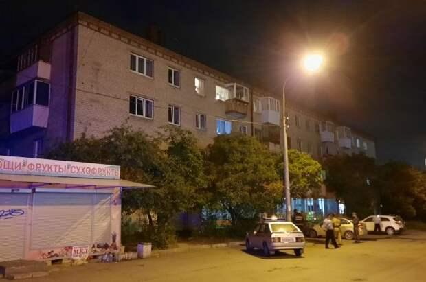 Возле дома в Екатеринбурге, где произошла стрельба, сняли оцепление