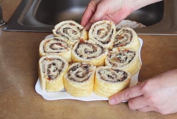 Закуска - бисквитный рулет с грибами рецепт, видео рецепт, кулинария, еда, IrinaCooking, рулет, завтрак, закуска, видео, длиннопост