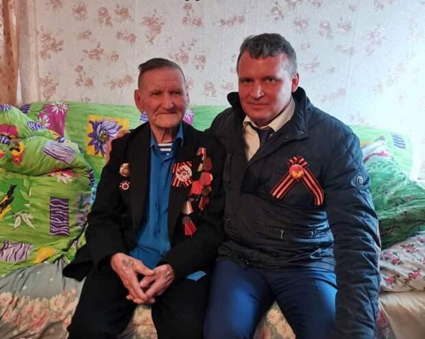 Сергей Анисимов поздравил ветеранов Усть-Кутского района с праздником Великой Победы