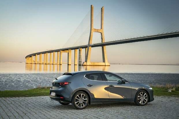 Новую Mazda 3 уже можно купить в России