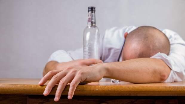 Каждый пятый украинец зависим от наркотиков или алкоголя