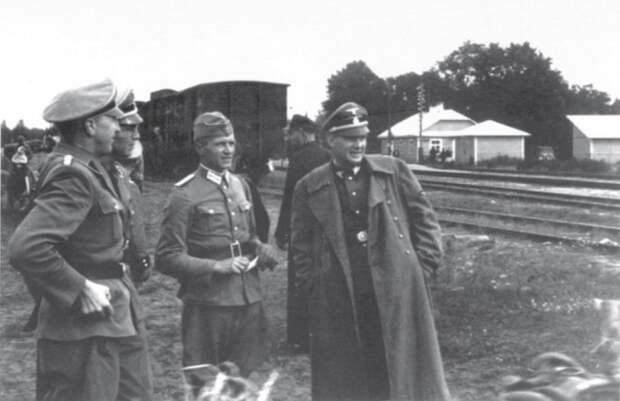 «Наш милый Франц»: нацист, убивший сотни тысяч, жил на курорте под своим именем