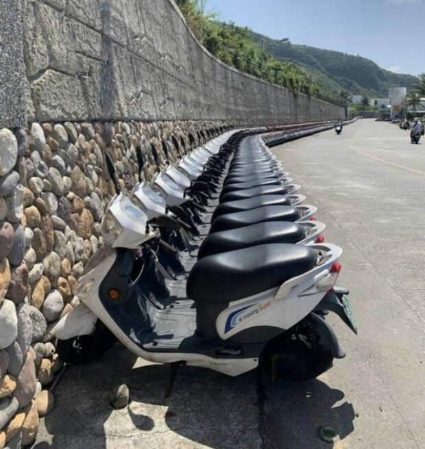 Идеальный порядок на парковке. | Фото: Yaplakal.