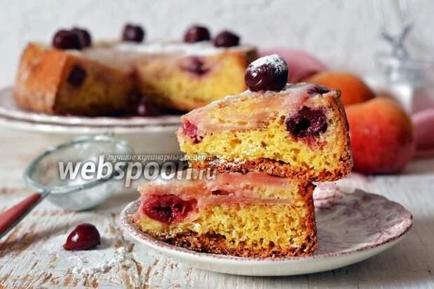 Фото Пирог с яблоками и вишней