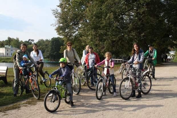 Велоэкскурсии по парку «Кузьминки-Люблино» проходят каждую среду// предоставлено ГПБУ «Мосприрода»