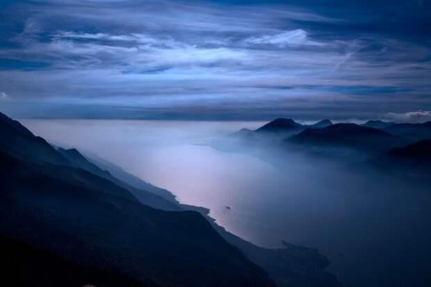 """Ветром сдуло: соцсети """"наводнили"""" снимки лунного пейзажа оголившегося дна Таганрогского залива"""