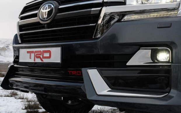 Внедорожникам Toyota Land Cruiser 200 и Land Cruiser Prado добавили брутальности